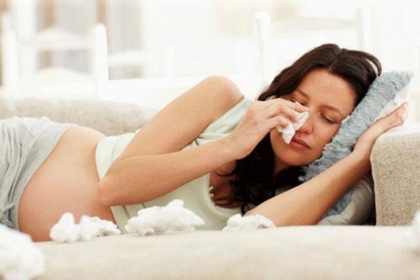 Почему простудные заболевания особенно опасны для беременной женщины
