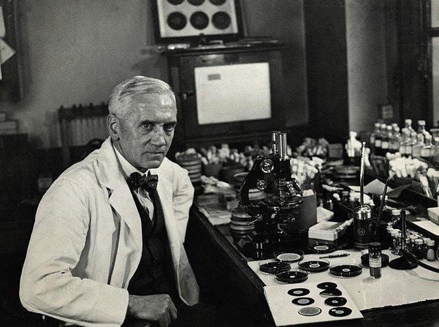 Кто открыл пенициллин